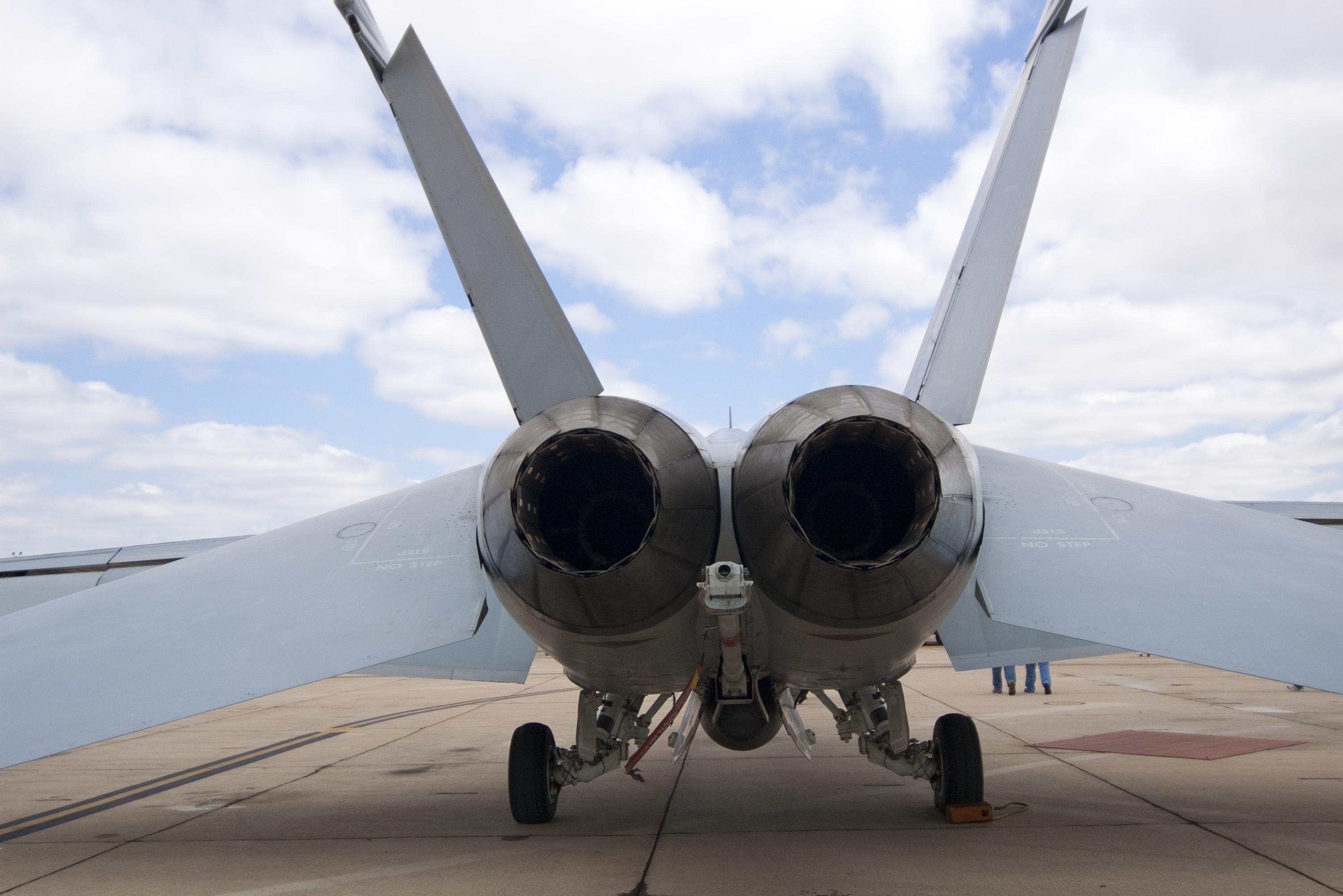 Jet Engine Exhaust Nozzle 2600
