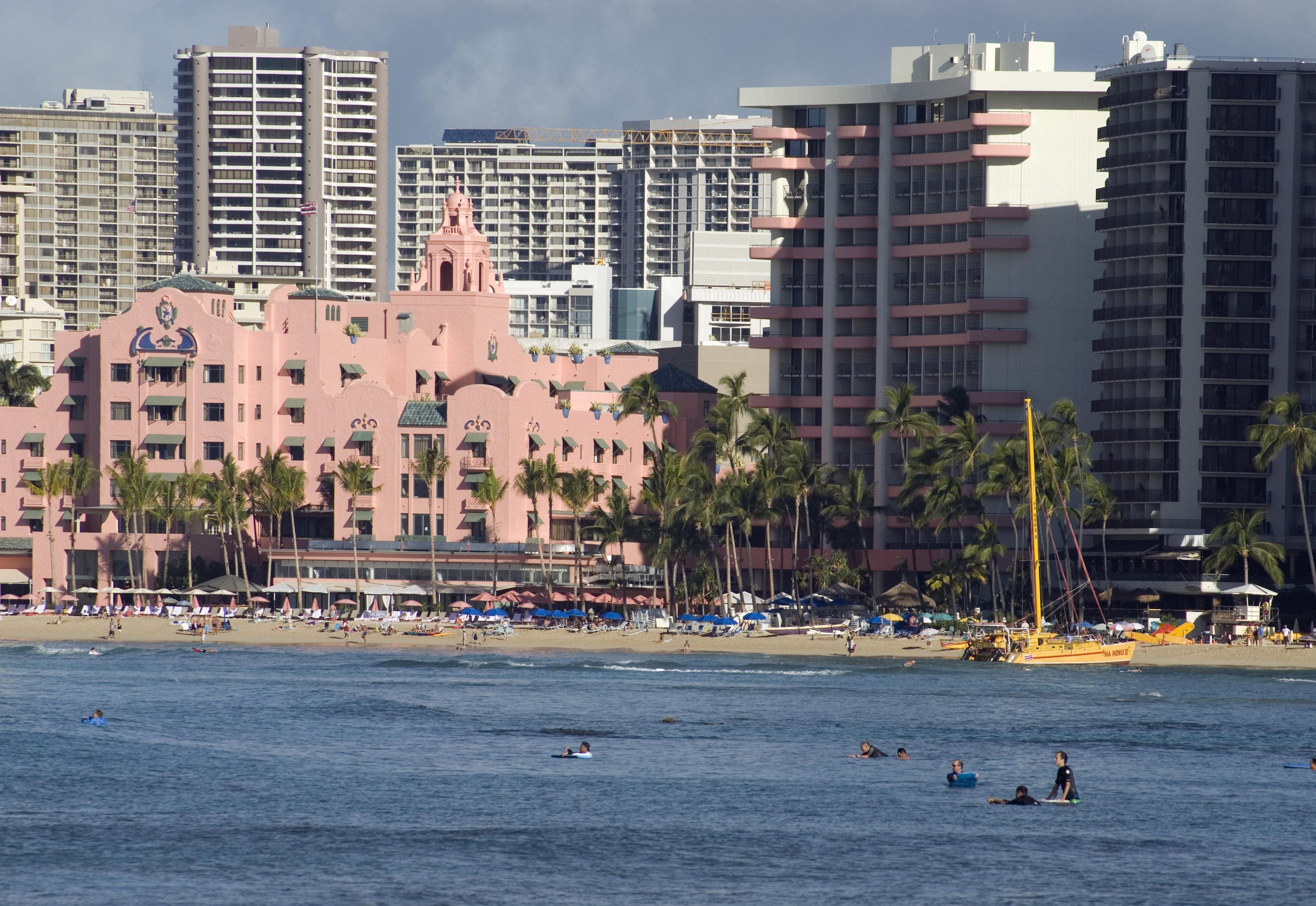 Star Power: The Haute 5 Celebrity Hangouts in Honolulu ...