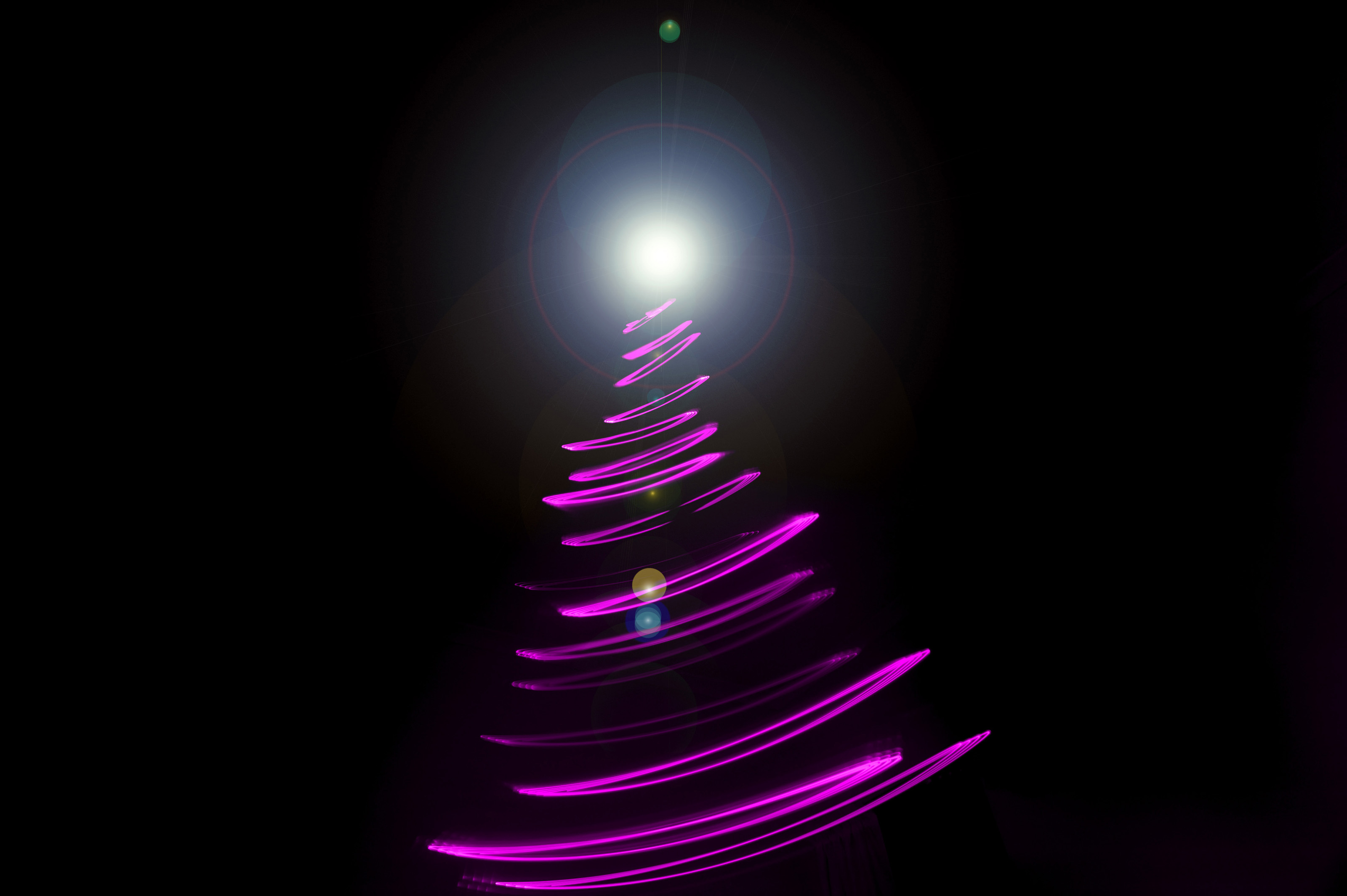 Abstract Christmas Tree With Light Painting 8214