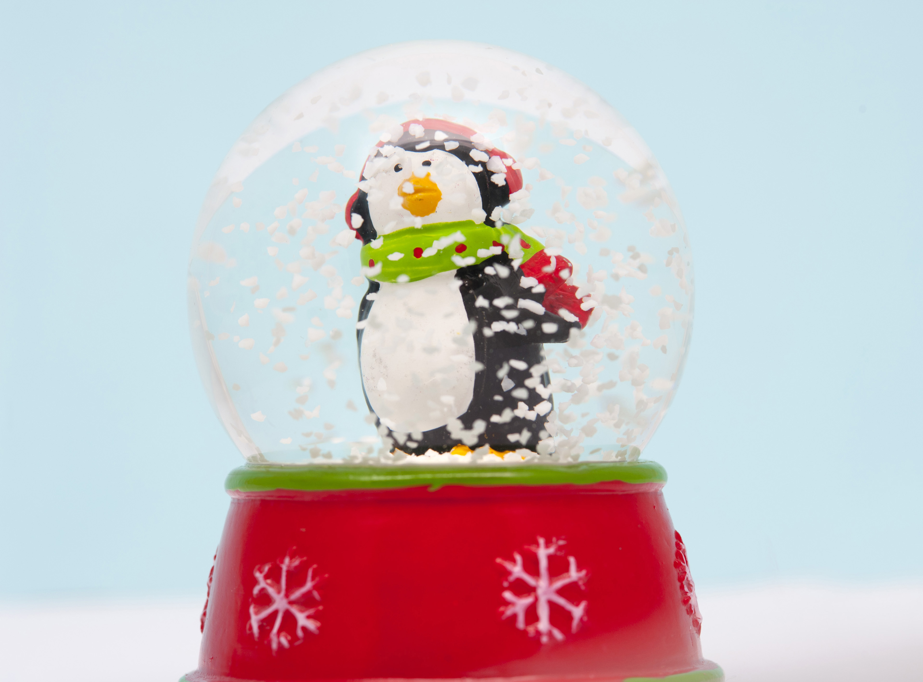 Alfa img - Showing > Large Snow Globe with Penguins