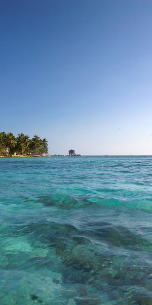 tobacco caye, a tiny coral cay off the coast of Belize